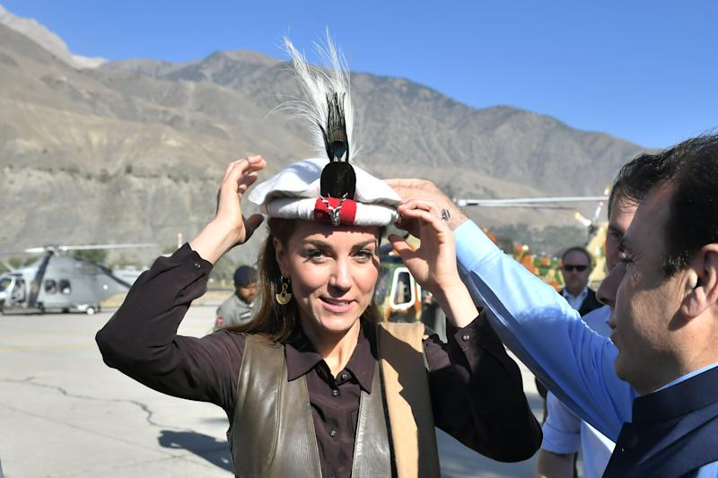 CHITRAL, PAKISTAN - OCTOBER 16: Prince William, Duke of Cambridge and Catherine, Duchess of Cambridge are welcomed as they arrive by helicopter on October 16, 2019 in Chitral, Pakistan. (Photo by Samir Hussein - Pool/Getty Images)
