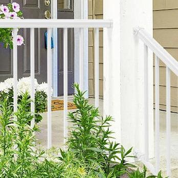 Freedom(R) Aluminum Railing Products Debut at Lowe's(R)