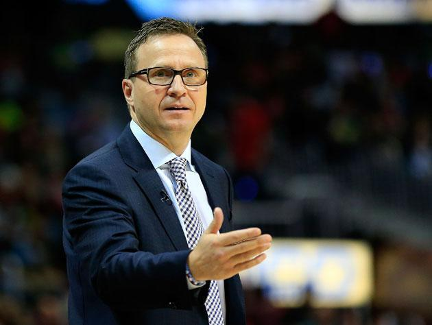 Scott Brooks lines it up. (Getty Images)