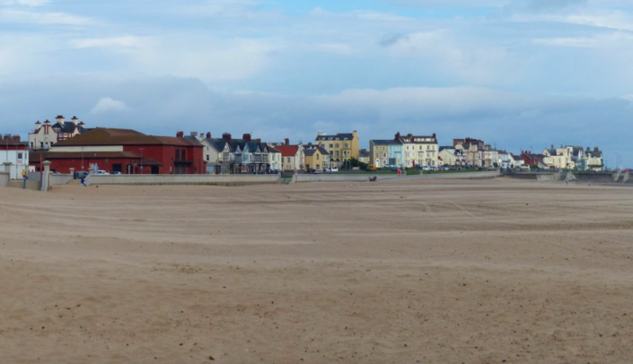 Drinking alcohol has been banned during the day for people visiting Seaton Carew in Hartlepool. (Geograph)