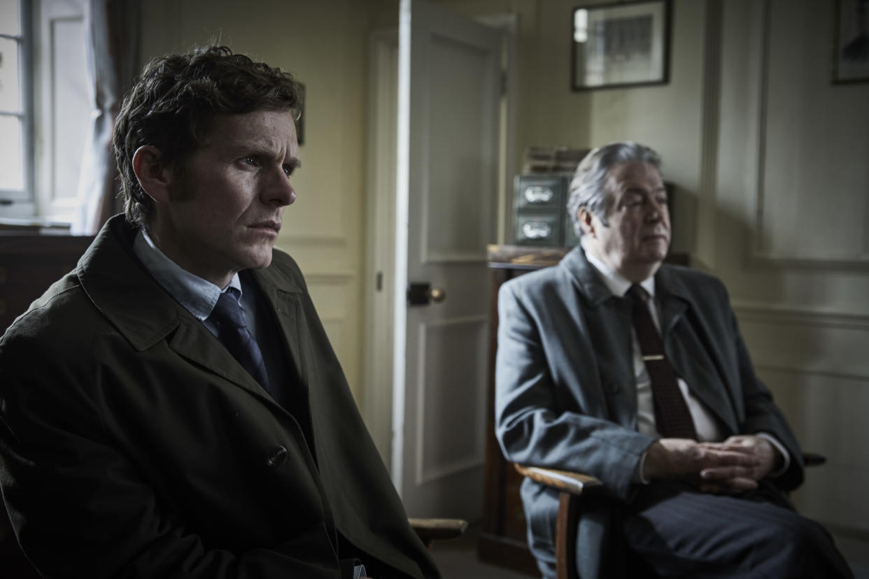 MAMMOTH SCREEN FOR ITV ENDEAVOUR VIII Film 1  Pictured:SHAUN EVANS as Endeavour and ROGER ALLAM as DI Fred Thursday.    This image is under copyright and may only be used in relation to ENDEAVOUR.Any further use must be agreed with the ITV Picture Desk.    For further information please contact: Patrick.smith@itv.com 07909906963