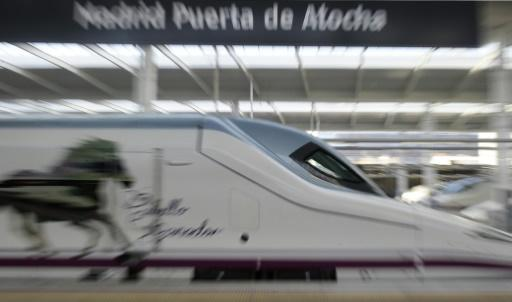 Train derails in northwest Spain, with two dead