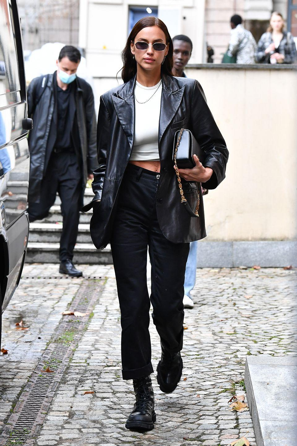 <p><strong>25 September </strong>Irina Shayk looked chic in an off-duty ensemble during Milan Fashion Week. </p>