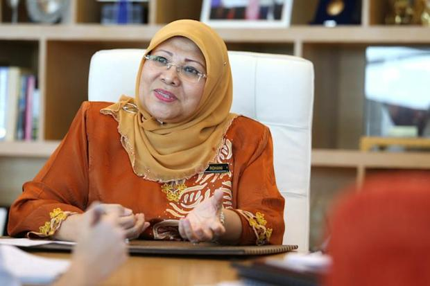 Women, Family and Community Development Minister Datuk Seri Rohani Karim tables the Domestic Violence (Amendment) Act 2017 which seeks to widen the definition of domestic violence. – Picture by Choo Choy May