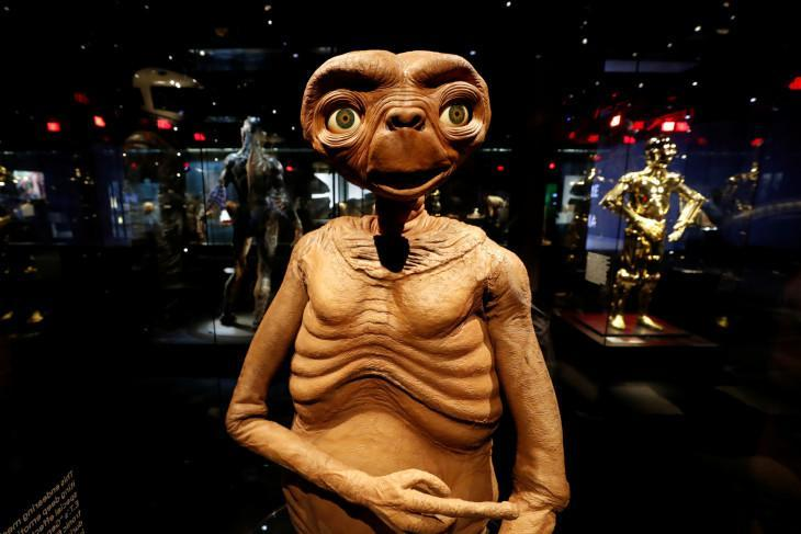 """A model from """"E.T. The Extra-Terrestrial"""" is pictured during a media preview ahead of the opening of the Academy Museum of Motion Pictures in Los Angeles, California, U.S., September 21, 2021. (REUTERS/MARIO ANZUONI)"""