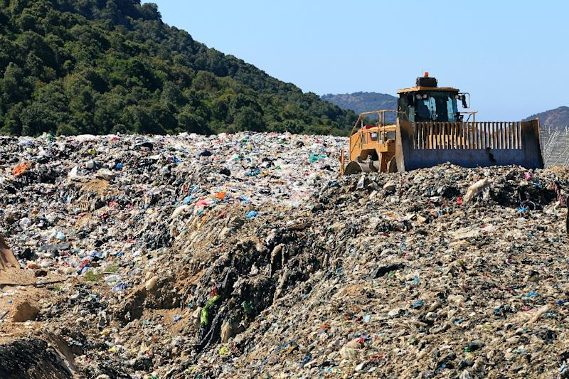 Landfills packed with decomposing dinner leftovers and grass clippings are among the world's top sources of methane -- one of the most powerful heat-trapping gases contributing to the Earth's warming (AFP Photo/Pascal Pochard Casabianca)