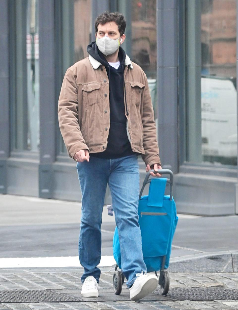 <p>Joshua Jackson dresses causally as he runs errands on Thursday in N.Y.C.</p>