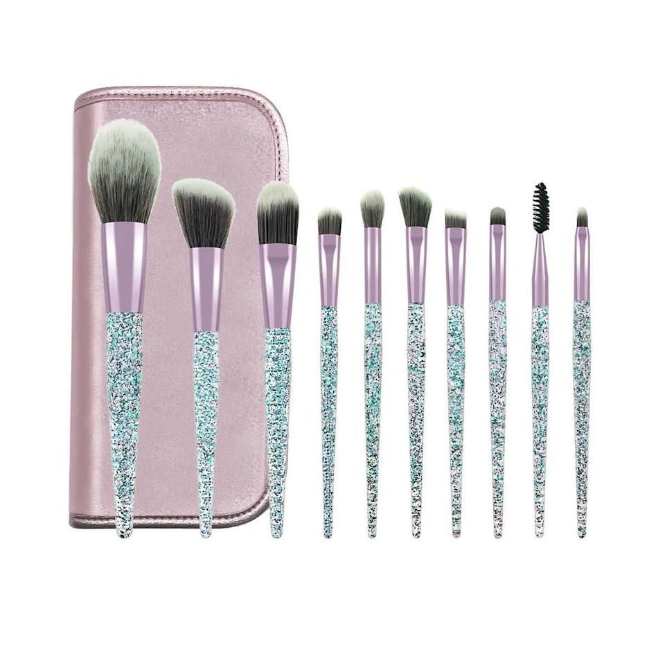 "<p><strong>Star Rating:</strong> 4.6 out of 5</p> <p><strong>Key selling points:</strong> Even though these are fun to look at, that's not what the reviewers are crazy about on Amazon. Despite the truly ""extra"" crystalized effect on handles of these 10 brushes, they actually happen to be extremely durable and well-made, which is why they're the top-rated product in this entire list. The extra shine is merely a bonus!</p> <p><strong>What customers say:</strong> ""These brushes are perfect for everyday use. They come in a cute and convenient case for easy travel. The design on the handle, along with the softness of the brush itself make them resemble designer brands, appearing to be much more expensive than they are. I'm very happy with this purchase and would highly recommend for a less expensive alternative."" —<a href=""https://amzn.to/387iqIV"" rel=""nofollow noopener"" target=""_blank"" data-ylk=""slk:Lindsay"" class=""link rapid-noclick-resp""><em>Lindsay</em></a></p> $10, Amazon. <a href=""https://www.amazon.com/POYINRO-Synthetic-Essential-Cosmetics-Foundation/dp/B07XJRZZQM/ref=sr_1_44"" rel=""nofollow noopener"" target=""_blank"" data-ylk=""slk:Get it now!"" class=""link rapid-noclick-resp"">Get it now!</a>"