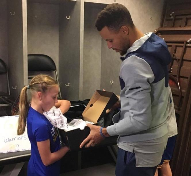 Jordyn Johnsen of Santa, Rosa, Calif. got to meet Steph Curry Sunday night. (Photo via Frank Somerville KTVU on Facebook)