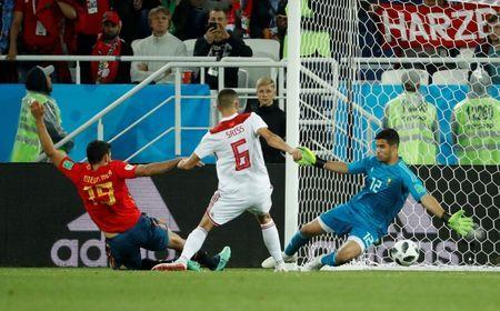 Soccer Football - World Cup - Group B - Spain vs Morocco - Kaliningrad Stadium, Kaliningrad, Russia - June 25, 2018 Spain's Diego Costa misses a chance to score REUTERS/Gonzalo Fuentes