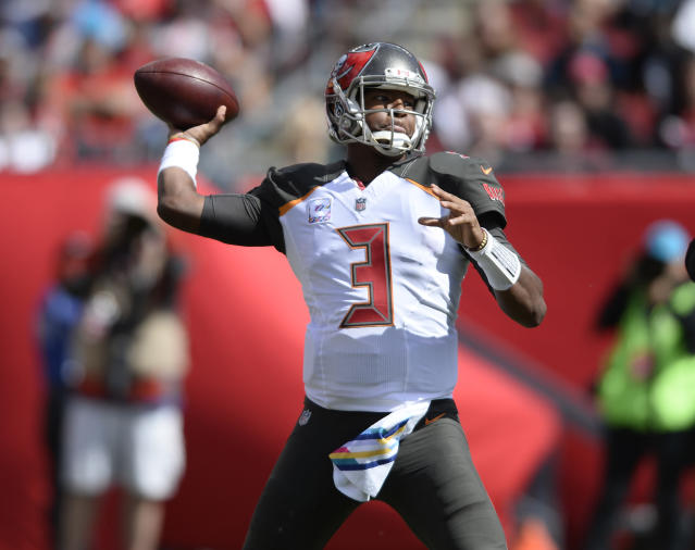 "<a class=""link rapid-noclick-resp"" href=""/nfl/players/28389/"" data-ylk=""slk:Jameis Winston"">Jameis Winston</a> was wildly inaccurate in Week 8 (AP Photo/Jason Behnken)"