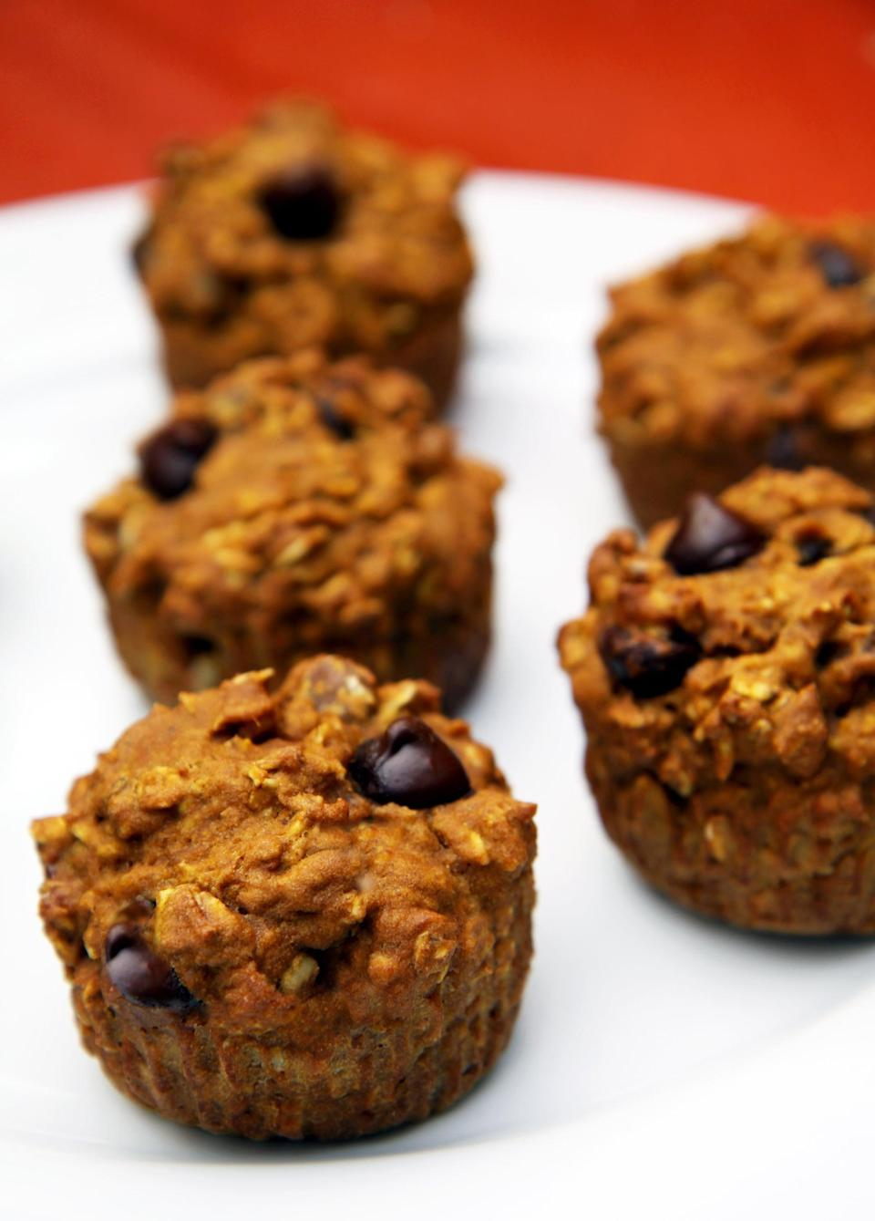 """<p>As a breakfast on the go, these oatmeal dark chocolate chip muffins do not disappoint - they'll leave you satisfied and full of fiber!</p> <p><b>Get the recipe</b>: <a href=""""https://www.popsugar.com/fitness/Healthy-Recipe-Oatmeal-Dark-Chocolate-Chip-Pumpkin-Muffins-5813166"""" class=""""link rapid-noclick-resp"""" rel=""""nofollow noopener"""" target=""""_blank"""" data-ylk=""""slk:oatmeal dark chocolate chip muffins"""">oatmeal dark chocolate chip muffins</a></p>"""