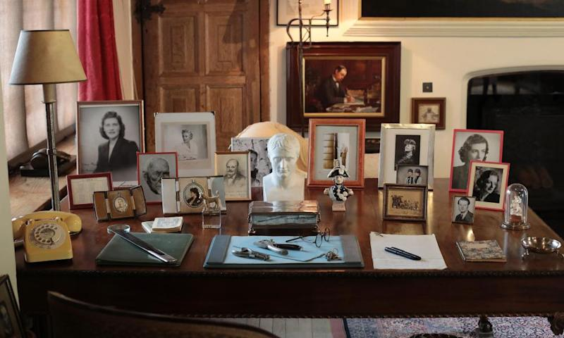 Items on show in the study at Chartwell