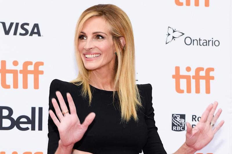 Julia Roberts Defends Manicure Against Instagram Troll
