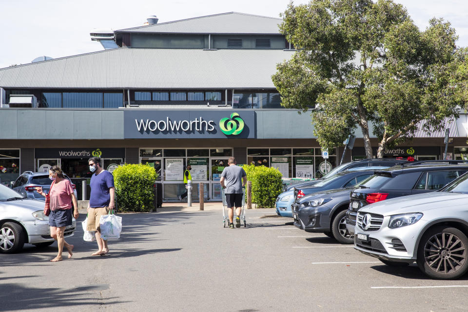 SYDNEY, AUSTRALIA - DECEMBER 18: A general view is seen of Woolworths in Avalon on December 18, 2020 in Sydney, Australia. A cluster of Covid-19 cases on the northern beaches of Sydney has grown to 28, prompting NSW health officials to urge residents of affected suburbs to stay home. Traffic at Sydney Airport has increased as people rush to leave the city with several states imposing quarantine restrictions for New South Wales residents. (Photo by Jenny Evans/Getty Images)