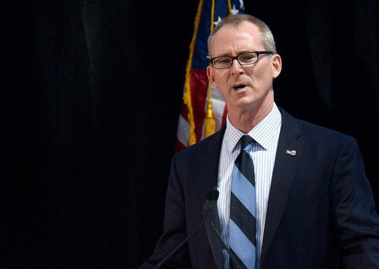 Former U.S. Rep.Bob Inglis, R-S.C., receivesthe 2015 John F. Kennedy Profile in Courage Award, May 3, 2015 in Boston. (Photo: Paul Marotta/Getty Images)