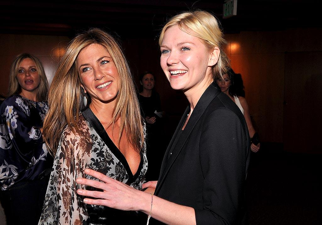"Jennifer Aniston could've spent a little less time in the sun, whereas Kirsten Dunst could've used a little more color. Jeff Vespa/<a href=""http://www.wireimage.com"" target=""new"">WireImage.com</a> - October 14, 2008"