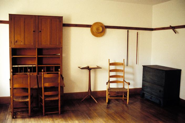 "<h1 class=""title"">144094087</h1> <div class=""caption""> An interior of Hancock Shaker Village in Pittsfield, Massachusetts. </div> <cite class=""credit"">Education Images</cite>"
