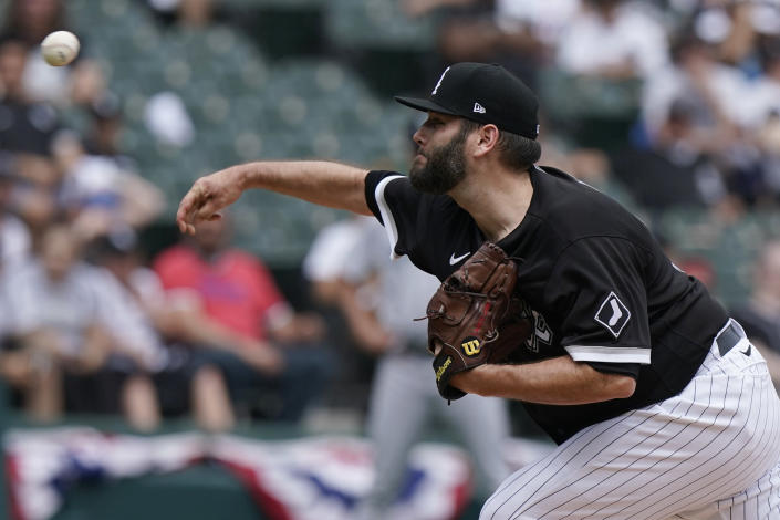 Chicago White Sox starting pitcher Lance Lynn throws against the Seattle Mariners during the first inning of a baseball game in Chicago, Saturday, June 26, 2021. (AP Photo/Nam Y. Huh)