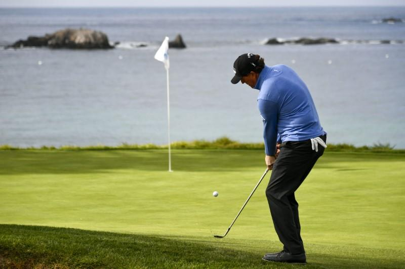 Mickelson hits 'number two' best bunker shot ever, one back at Pebble
