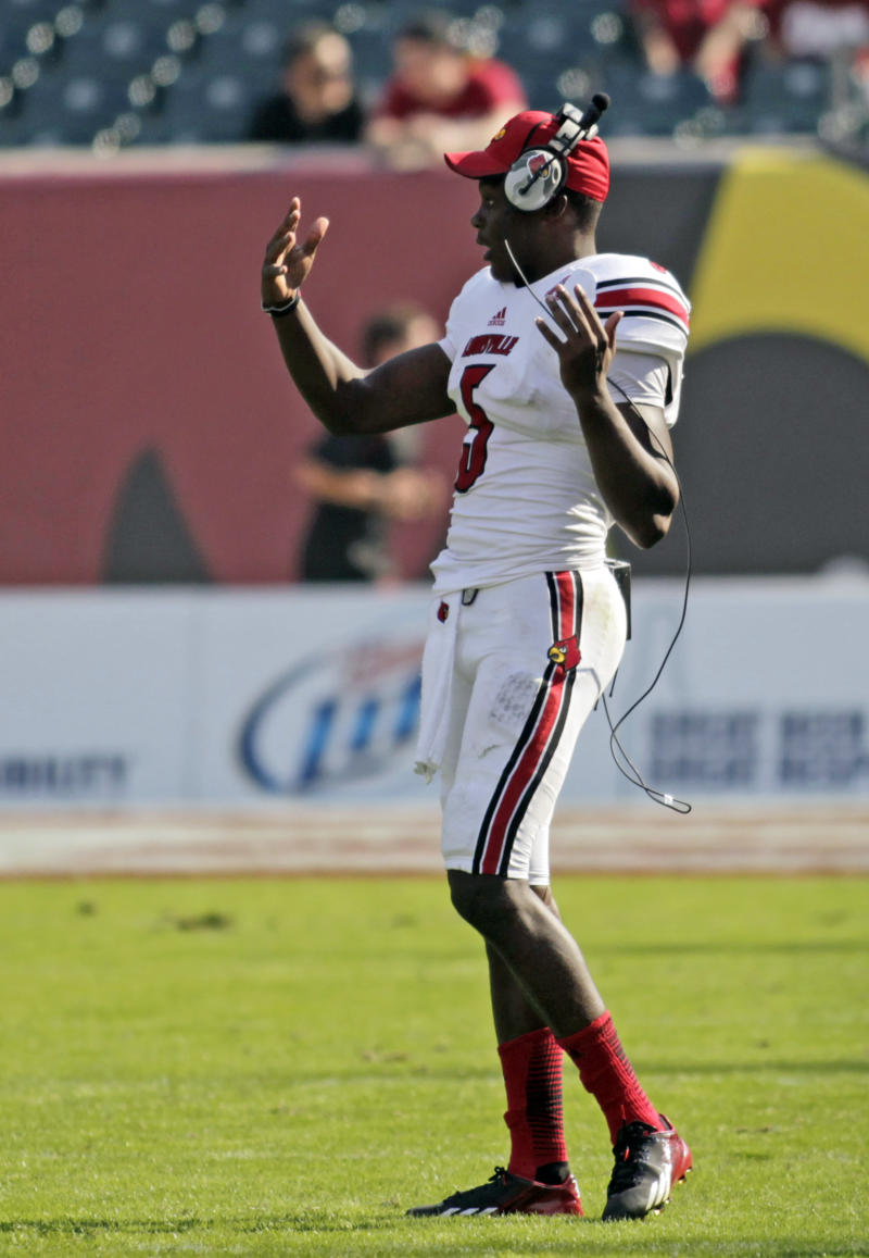 Bridgewater shines for undefeated Louisville