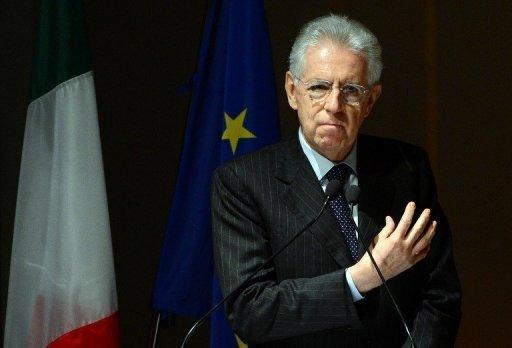 Italian lawmakers approve budget plans