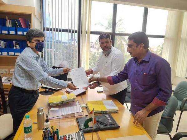 Mayor Gautam Kumar has submitted the proposal to Bangalore Metro Rail Corporation Limited officials on renaming of metro station. (Photo: ANI)
