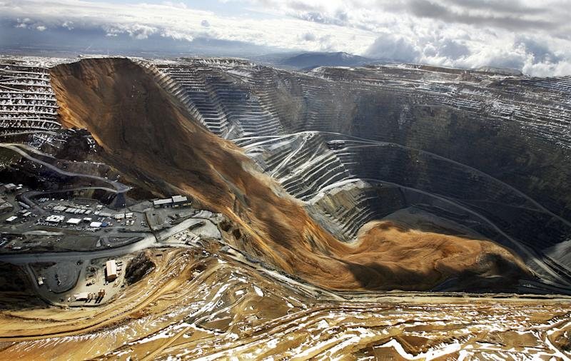 Utah mine landslide brought 165 tons or rock, dirt