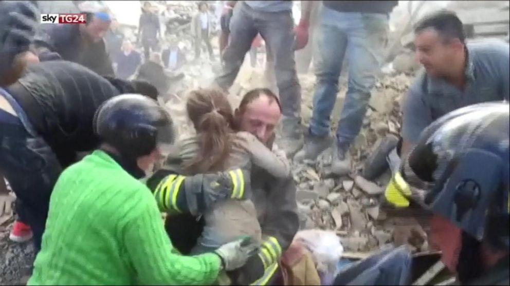 Italy Earthquake: 10-Year-Old Girl Rescued From Rubble 17 Hours Later (ABC News)
