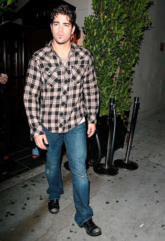 "Jesse Metcalfe looked fully recovered from the 40-foot fall that left him hospitalized last month. AKM/<a href=""http://www.x17online.com"" target=""new"">X17 Online</a> - December 3, 2008"