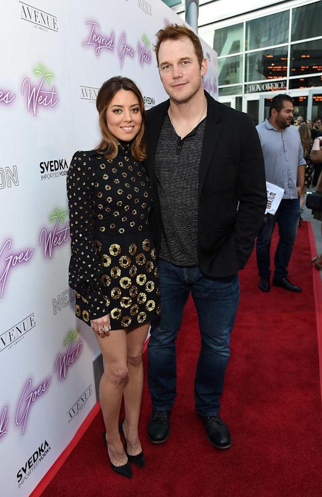 April Ludgate and Andy Dwyer, otherwise known as Aubrey Plaza and Chris Pratt, pose together at the <em>Ingrid Goes West</em> premiere. (Photo: Getty Images)