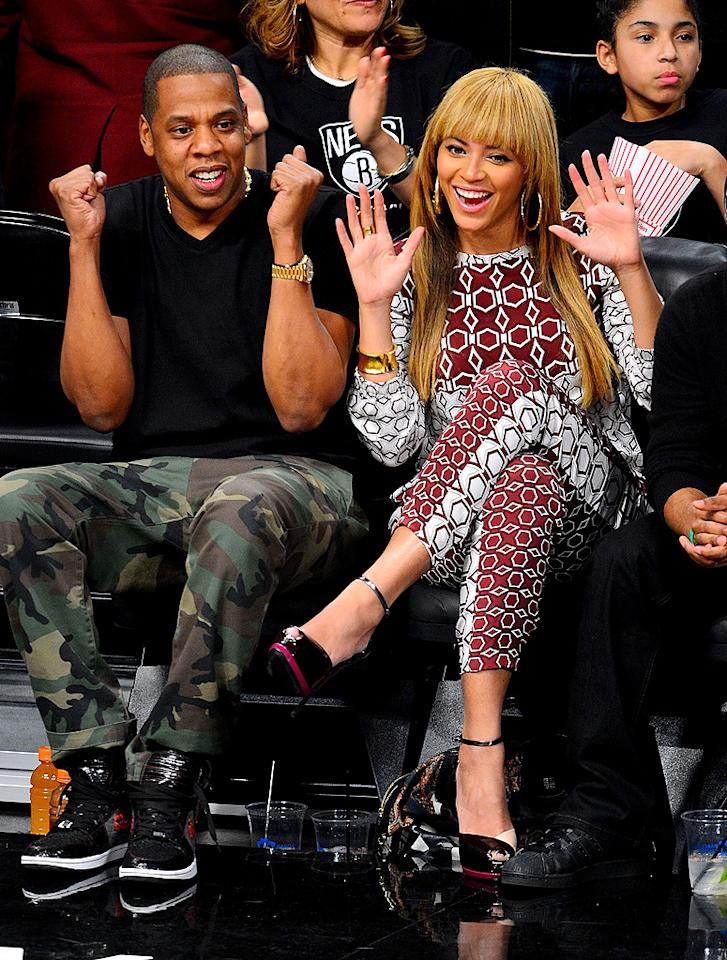 NEW YORK, NY - NOVEMBER 03:  Jay-Z and Beyonce Knowles attend Toronto Raptors vs Brooklyn Nets game at Barclays Center on November 3, 2012 in Brooklyn, New York.  (Photo by James Devaney/WireImage)