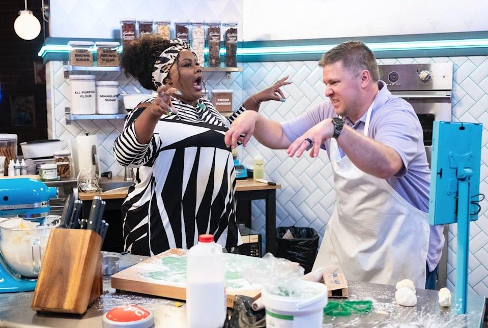 "Host Nicole Byer and contestant Aaron Anderson on ""Nailed It!"""