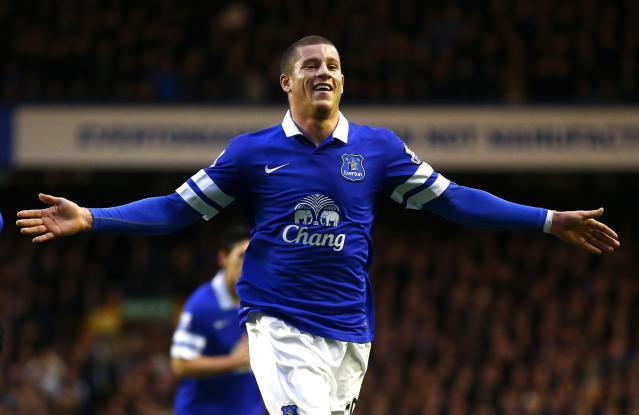 Everton's Ross Barkley celebrates after scoring a goal against Queens Park Rangers during their English FA Cup soccer match at Goodison Park in Liverpool, northern England January 4, 2014. REUTERS/Darren Staples (BRITAIN - Tags: SPORT SOCCER)