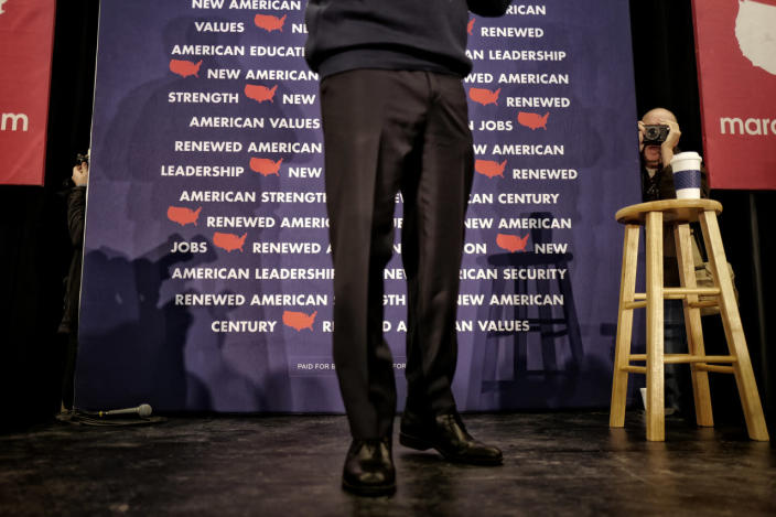 <p>Republican presidential candidate Sen. Marco Rubio holds a town hall meeting in the Londonderry High School cafeteria in Londonderry, N.H., on Feb. 7, 2016. <i>(Photo: Charles Ommanney/The Washington Post via Getty Images)</i></p>