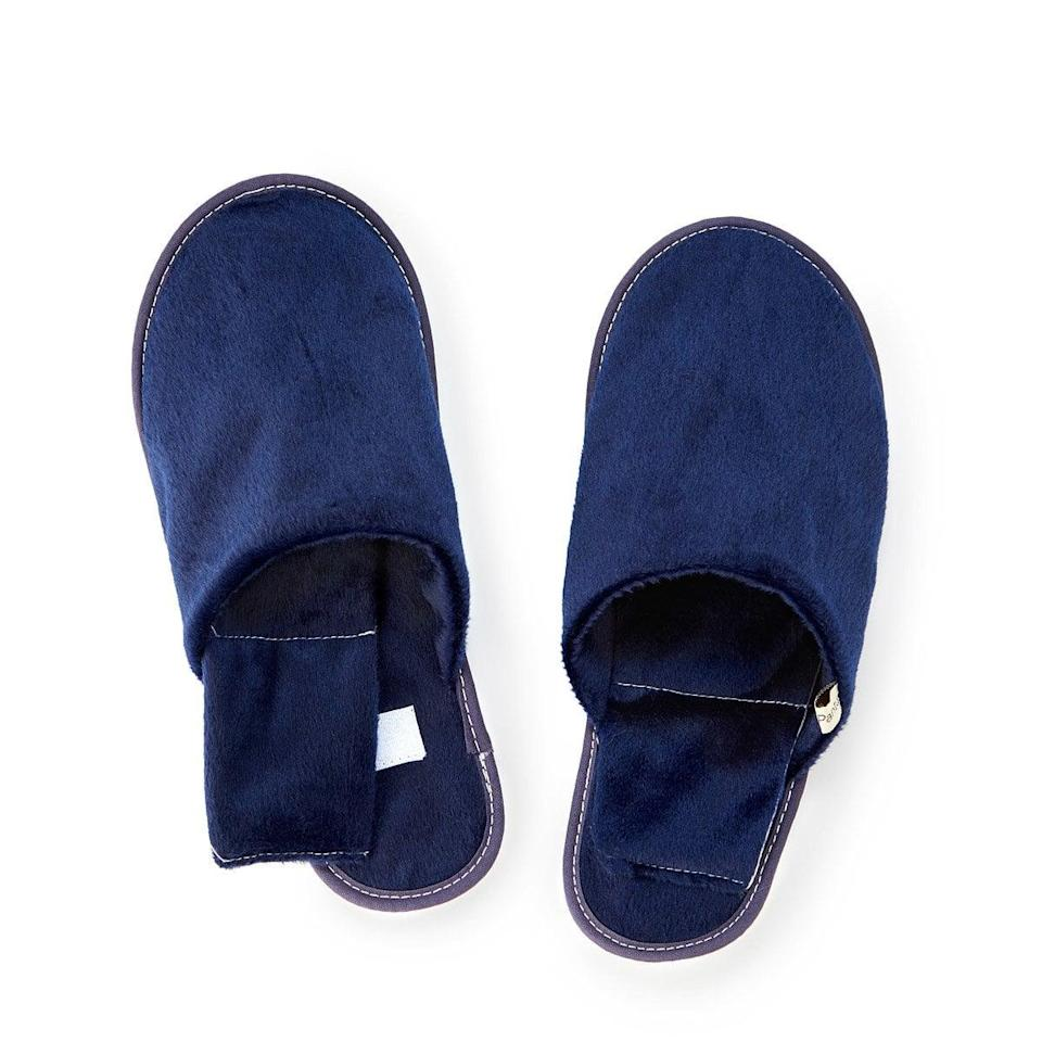 <p>Stay warm this season with these <span>Men's Herbal Warming Slippers</span> ($48).</p>