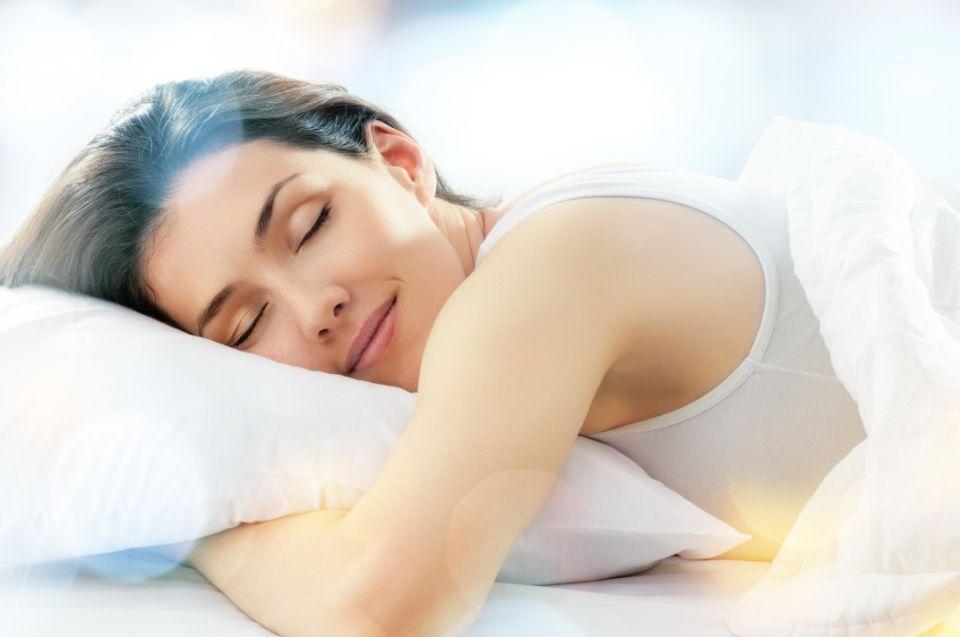 Going to bed too early could be messing with your sleep. Photo: Getty