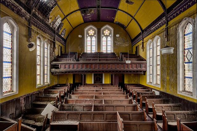 <p>Derlelict chapel in the U.K. (Photo: James Kerwin/Caters News) </p>