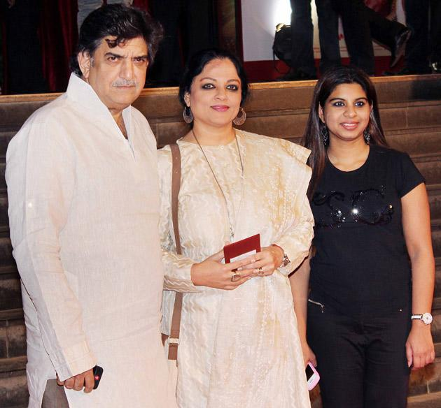 Tanvi Azmi with her family