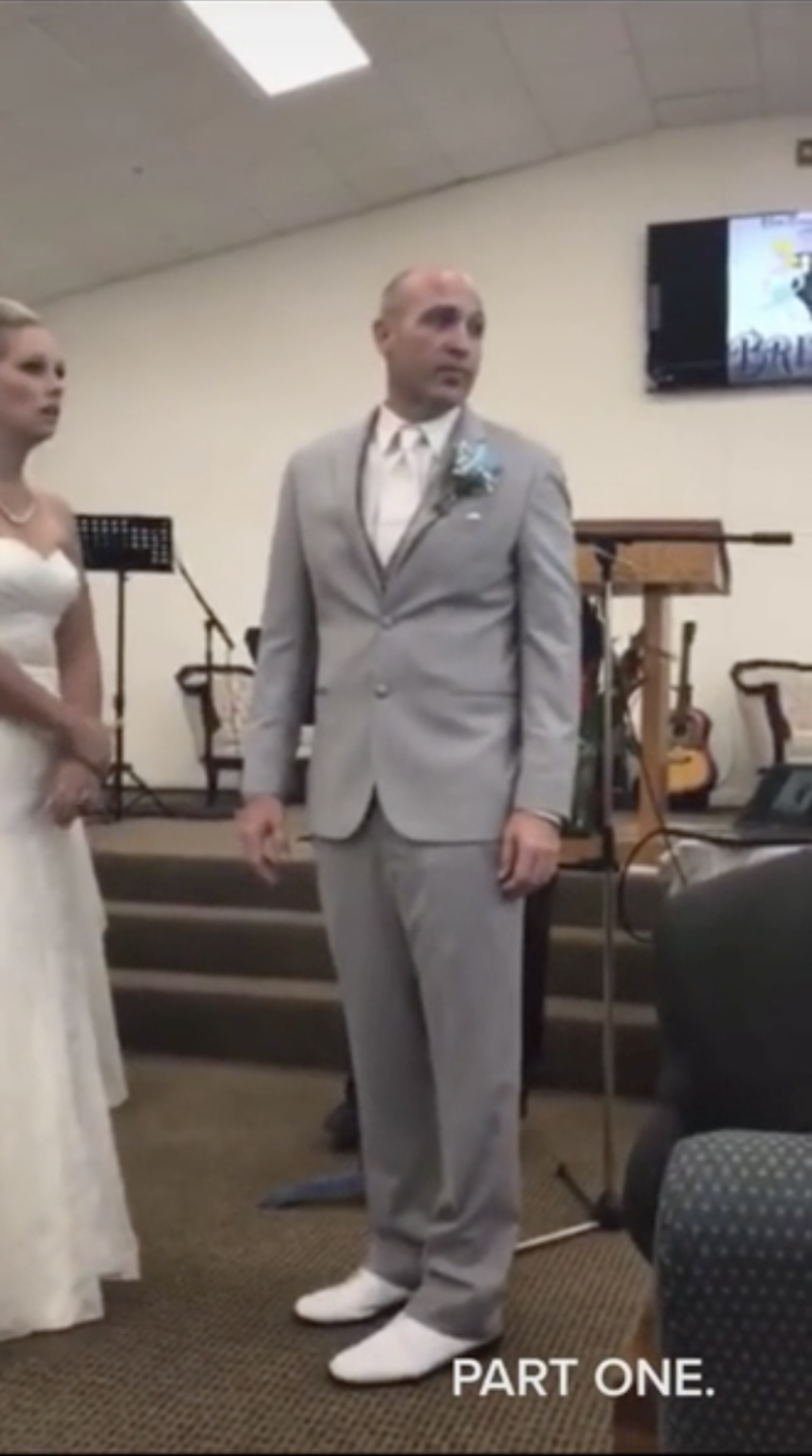The groom tried to tell his mother to leave, but she wouldn't listen to him. Photo: TikTok/@srags13