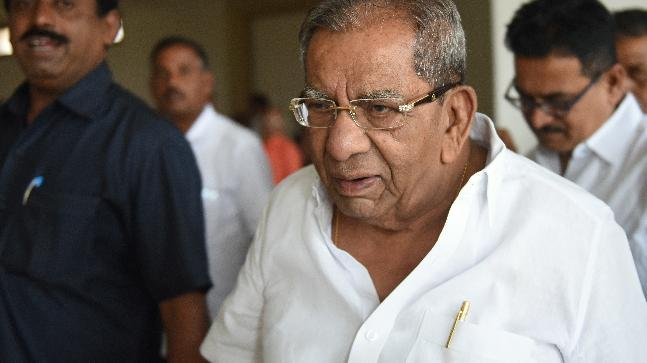 Shamnur Shivshankrappa had opposed the Congress's move to divide Lingayats on the lines reservation.