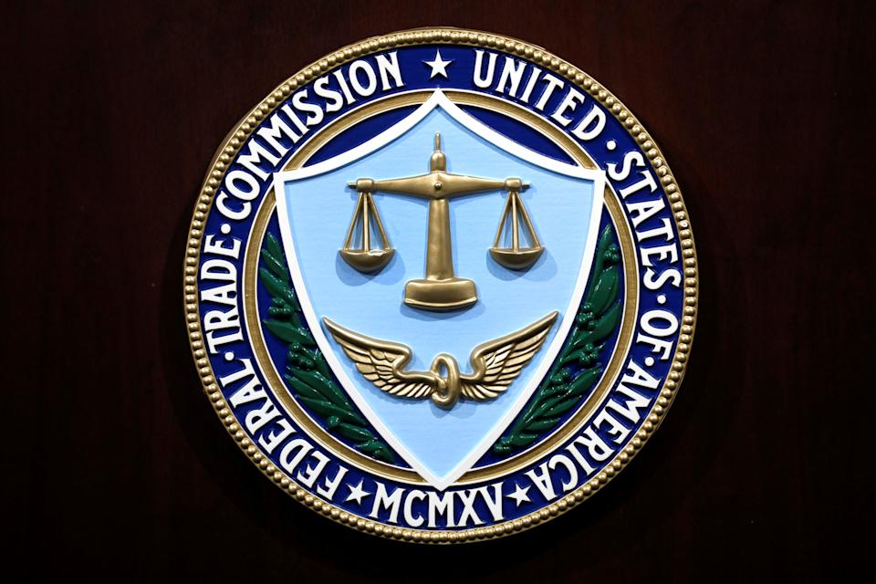The Federal Trade Commission seal is seen at a press conference to announce that Facebook Inc has accepted a settlement for allegations it mismanaged user privacy at FTC headquarters in Washington, United States, July 24, 2019. REUTERS / Yuri Gripas