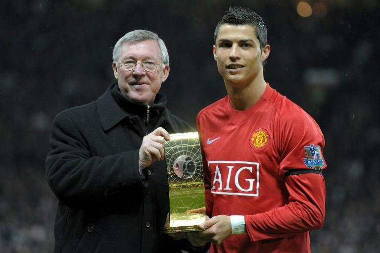 Alex Ferguson (left)played a big part in bringing Cristiano Ronaldo (right)back to Manchester United (AFP/Andrew YATES)