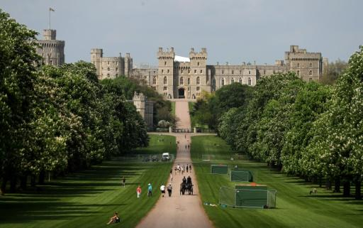 Prince Harry and his fiancee will stay at separate hotels in the Windsor area, ahead of their wedding at the castle