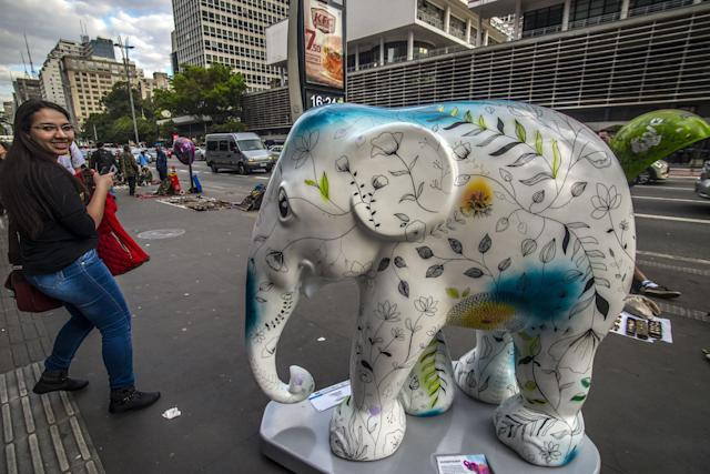 <p>A herd of 85 elephants will spread through the streets of São Paulo from this Tuesday (1st), when the city receives the Elephant Parade on Aug. 1, 2017. (Photo: Sebastiao Moreira/EPA/REX/Shutterstock) </p>