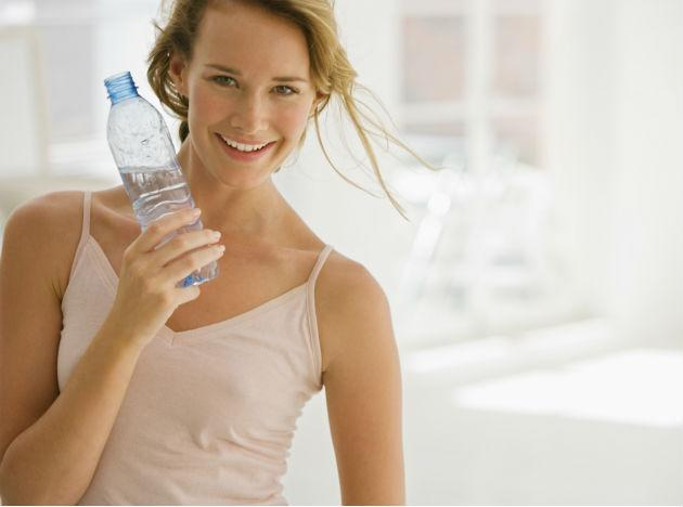 <b>Keep yourself hydrated:</b> You might wonder why you need to drink more water during monsoon. Here is the answer – In monsoon, sweat does not evaporate quickly as the humidity levels are high and this prevents the body from releasing heat. Therefore, keeping a bottle of water handy is always advisable. Avoid carbonated drinks as they reduce mineral levels which stop the enzymes from functioning efficiently resulting in indigestion. Instead drink warm beverages such as ginger tea. Always drink boiled and cooled water.