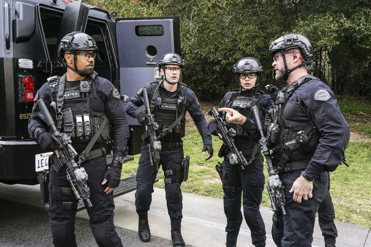 """<p>We're still not over the fact that <a href=""""https://www.countryliving.com/life/entertainment/a27420970/criminal-minds-shemar-moore-final-season-return-theory/"""">Shemar Moore left </a><em><a href=""""https://www.countryliving.com/life/entertainment/a27420970/criminal-minds-shemar-moore-final-season-return-theory/"""">Criminal Minds</a></em>, but it helps that his new show, <em><a href=""""https://www.countryliving.com/life/entertainment/a27493490/criminal-minds-season-15-premiere-2020/"""">S.W.A.T.</a>, </em>is endlessly entertaining. The CBS police drama follows Shemar's character, Hondo, and the challenges he faces as he tries to lead his team through a series of personal and professional obstacles. </p><p>Each person on the squad has their own strong personality, but they also have the unit's best interest at heart (even if they act a little impulsively from time-to-time). That said, viewers wouldn't want to lose a single member of the group, so when the finale suggested Jessica Cortez (Stephanie Sigman)—Hondo's former flame and captain of the L.A. Metro—might be leaving, they panicked. There's still so much romance between the two to be had!  </p><p>Besides Jessica, it appears that the rest the division is remaining intact. But we can never know for sure. Here's what we've heard about Jessica's future, as well as the rest of the cast we believe to be returning for <a href=""""https://www.countryliving.com/life/entertainment/a28424285/swat-season-3-news-date-cast-spoilers/"""">season 3 of </a><em><a href=""""https://www.countryliving.com/life/entertainment/a28424285/swat-season-3-news-date-cast-spoilers/"""">S.W.A.T.</a></em></p>"""