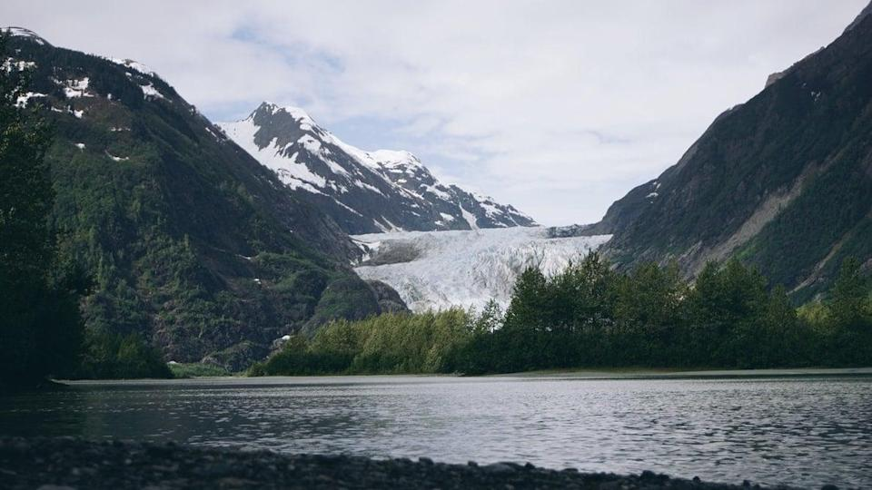 "<p>This under five-hour drive from remote Glenallen to Fairbanks will take road trippers through the awe-inspiring Alaskan wilderness, making them feel like they're a character in the based-on-a-true-story film <strong>Into the Wild</strong>. Travelers can begin their outdoor adventure at <a href=""http://northernnightscampground.com/"" class=""link rapid-noclick-resp"" rel=""nofollow noopener"" target=""_blank"" data-ylk=""slk:Northern Nights Campground and RV Park"">Northern Nights Campground and RV Park</a>, with views of three of Alaska's major mountain ranges, before stopping at <a href=""https://www.logcabinwildernesslodge.com/"" class=""link rapid-noclick-resp"" rel=""nofollow noopener"" target=""_blank"" data-ylk=""slk:Log Cabin Wilderness Lodge"">Log Cabin Wilderness Lodge</a>, which is a good halfway point, to take in the midnight sun and Northern Lights. End your trip at <a href=""https://riversedge.net/fairbanks-rv-park/"" class=""link rapid-noclick-resp"" rel=""nofollow noopener"" target=""_blank"" data-ylk=""slk:River's Edge Resort RV Park"">River's Edge Resort RV Park</a>, which is a camper's paradise and only 10 minutes from the urban center of Fairbanks. Every park mentioned can be instantly booked via <a href=""https://www.pitchup.com/"" class=""link rapid-noclick-resp"" rel=""nofollow noopener"" target=""_blank"" data-ylk=""slk:Pitchup.com"">Pitchup.com</a>.</p>"