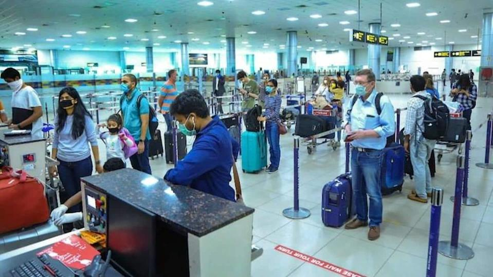 Delhi: Negative COVID-19 report mandatory for travelers from 5 states