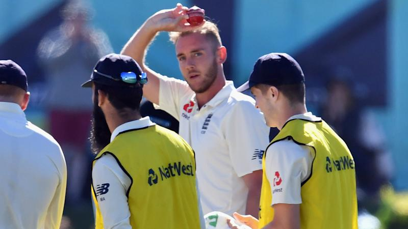 England strengthen grip on second Test against New Zealand